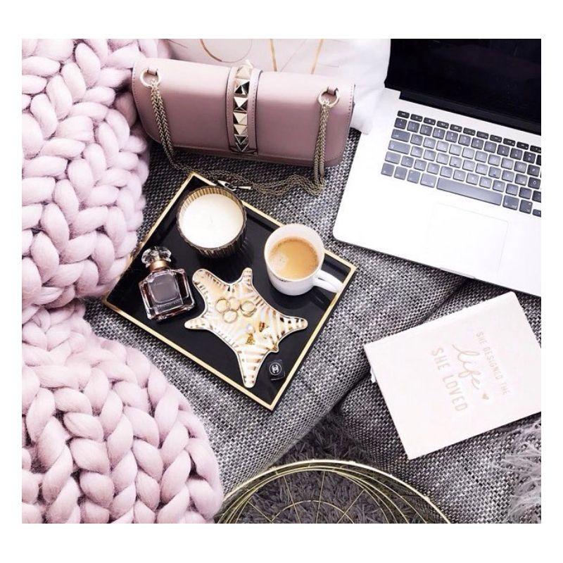 couverture tricot g ant en laine. Black Bedroom Furniture Sets. Home Design Ideas