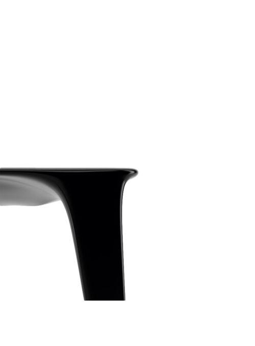TABLE URSULA